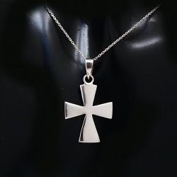 Stříbrný přívěsek křížek 12