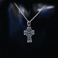 Stříbrný přívěsek křížek 23
