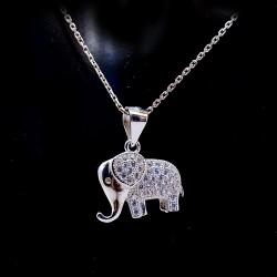 Stříbrný přívěsek slon s kameny