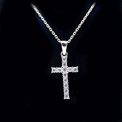 Stříbrný přívěsek kříž s kameny 12
