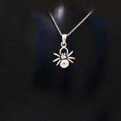 Stříbrny přívěsek pavouček