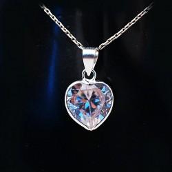 Stříbrný přívěsek srdce kamen 2