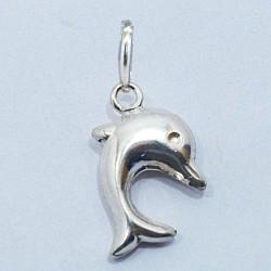 Stříbrný přívěsek delfín3